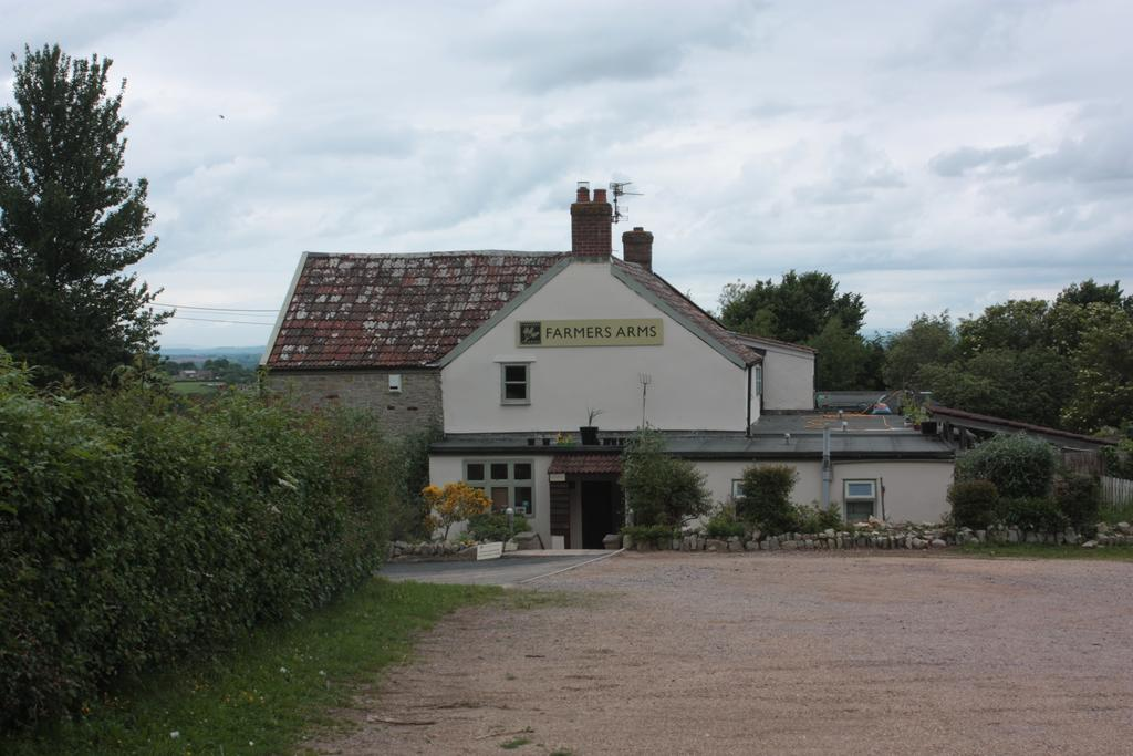 The Farmers Arms at West Hatch