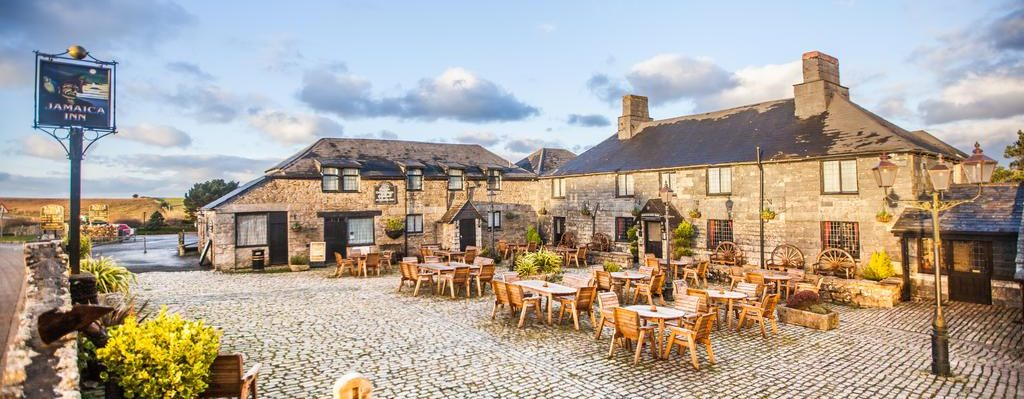 Dog Friendly Hotels in East Cornwall