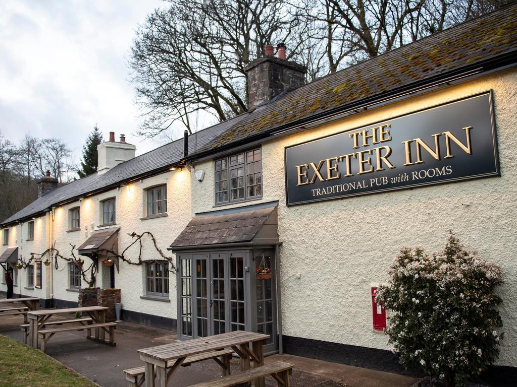 Dog Friendly Exeter Inn at Bampton